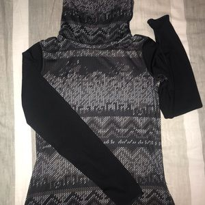 Nike pro fit cowl neck spandex top b/w design!